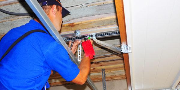 Five Questions to Ask Any Garage Door Repair Technician
