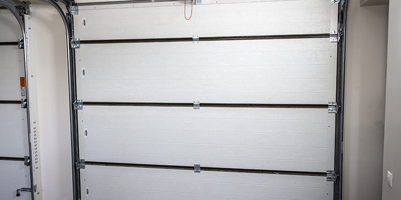 The Garage Door Came Off Track: How Can it be Fixed Safely?