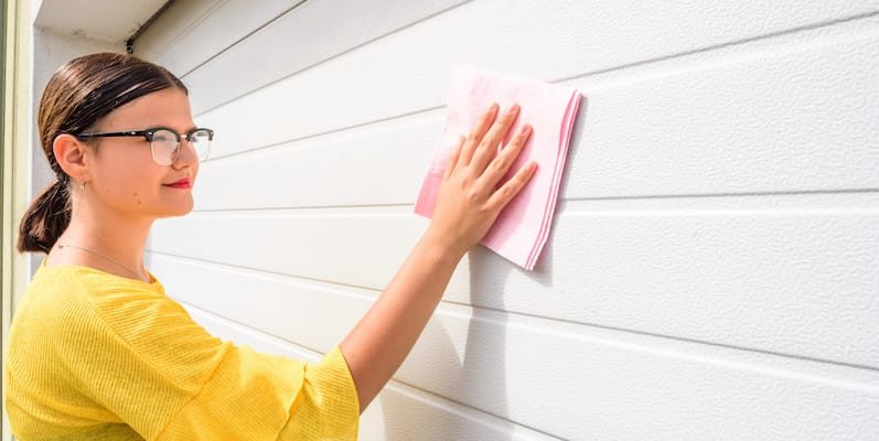 How to Spring Clean You Garage Door